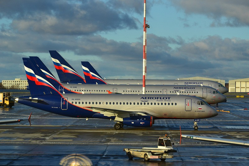 Москва-Рига: туристы отказались лететь на Суперджете из-за запаха гари