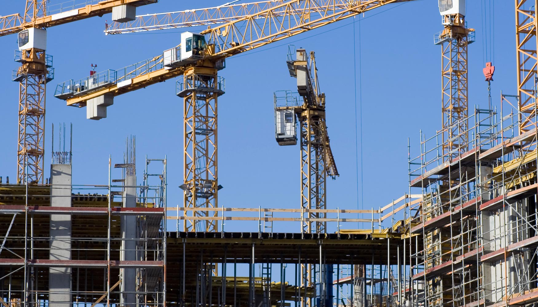 Испания вновь строит больше жилья, чем продает
