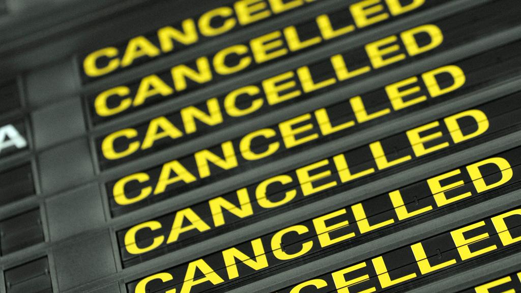 Из-за авиакатастрофы в«Шереметьево» отменяют изадерживают рейсы